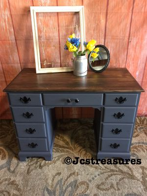 Vintage solid wood vanity/desk for Sale in Turlock, CA