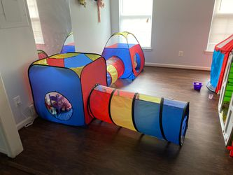 Tunnel tent for $45 for Sale in Herndon,  VA