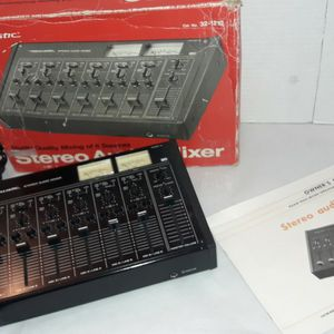 REALISTIC STEREO AUDIO MIXER, 6 SOURCE, WORKING for Sale in Everett, WA