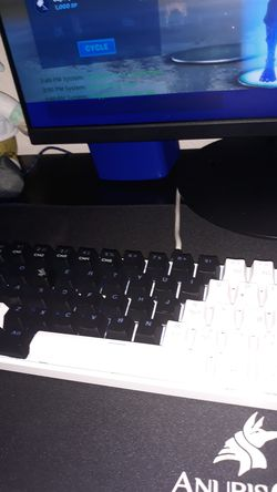 60% keyboard royal kludge and a havit mouse for Sale in Fort Myers,  FL