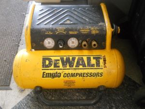 DeWALT / EMGLO AIR COMPRESSOR QUICK RECOVERY D55155 4 GALLON for Sale in Columbus, OH