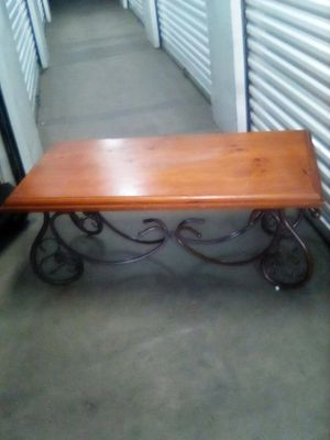 Sale table wood and metal 48x24x19 for Sale in Los Angeles, CA
