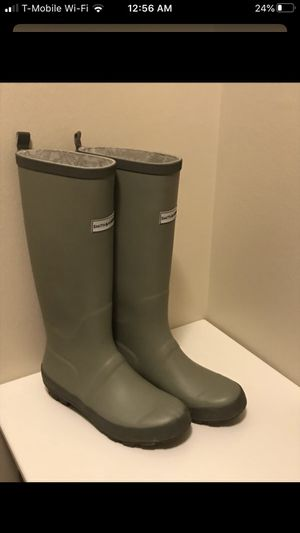 Tall Rain boot size 7 for Sale in Naperville, IL