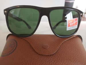 Brand New Authentic RayBan Justin Sunglasses for Sale in Los Angeles, CA