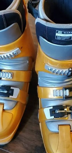 Garmont G-Lite G-Fit Ski Boots Winter 28.5 for Sale in Big Bear,  CA