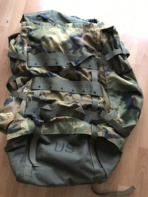 Large Vintage Camo US military camping Backpack for Sale in San Marcos, CA