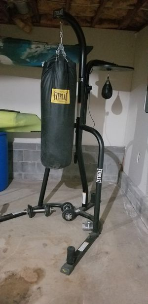 punching bag set up for Sale in Kennesaw, GA