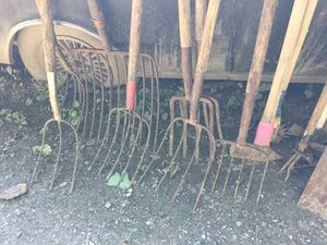 pitch forks 20 each for Sale in Seattle, WA