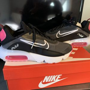 Nike Air Max 2090 Women's Shoes Brand New for Sale in South Milwaukee, WI