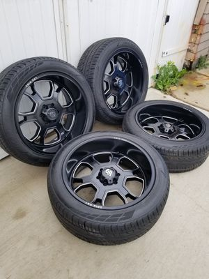 """22"""" LRG Wheels & IronMan Tires for Sale in Chicago, IL"""