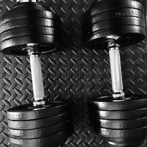 105 lbs (52.5 lbs ea) adjustable dumbbells for Sale in San Jose, CA