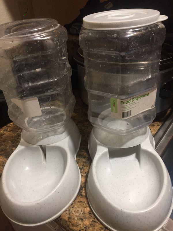 Cat or dog Water bowl dispenser and food dispenser