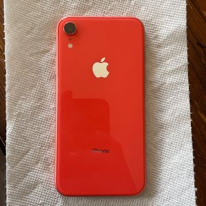 iPhone XR for Sale in San Bernardino, CA