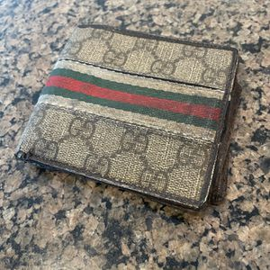 Authentic Gucci Wallet - Used for Sale in San Diego, CA