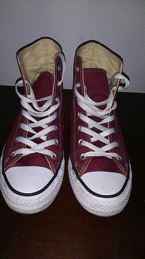 Burgundy Converse size 8 in men for Sale in Tampa, FL