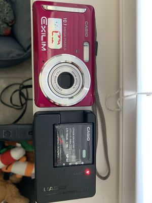 Casio Exilm Digital Camera 10.1 megapixels with battery charger, case, and usb WORKS for Sale in St. Cloud, FL