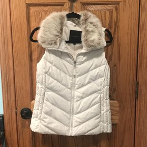 Talbots Cream Puffer Quilted Vest for Sale in Buffalo, NY