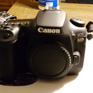 Cannon 90D Body. Lens With It Is Not Cannon. for Sale in Cedar Rapids, IA