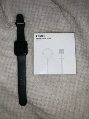 Apple Watch series 3 42mm for Sale in Langley Park, MD