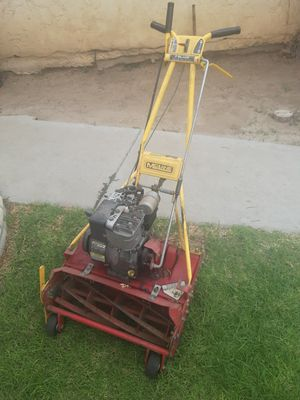 Mclane reel motor 3.5 h works needs carburaitor work and bag for Sale in Colton, CA