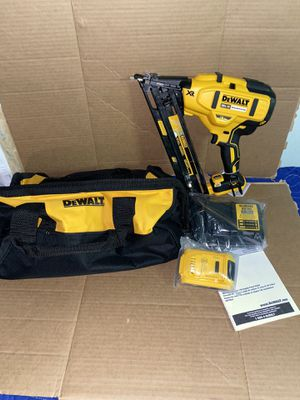 DEWALT 20-Volt Max Lithium-Ion Cordless 15 Ga Finish Nailer + Battery & Charger New !!! for Sale in Modesto, CA