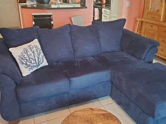 Blue Sectional sofa with Chase for Sale in New Port Richey,  FL
