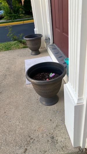 Outdoor pots 3 for 25 for Sale in Herndon, VA