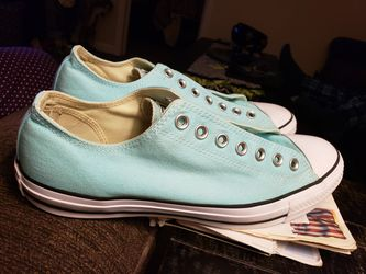 Converse all stars, mens size 10, women's size 12. No wear, wore maybe 2 time teal, no shoe laces. for Sale in Murfreesboro,  TN
