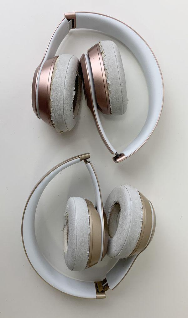 Beats wireless headphones Rose Gold & Gold bundle