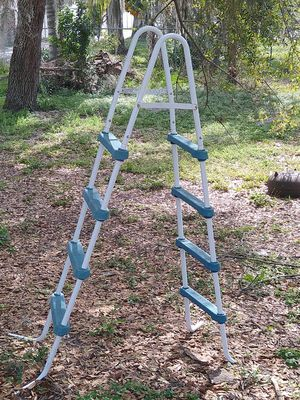 Pool ladder for Sale in Riverview, FL