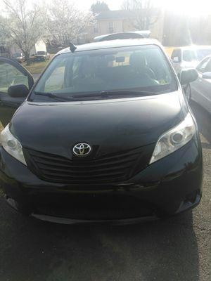 2014 Toyota Sienna Handicap Van for Sale in Woodbridge, VA