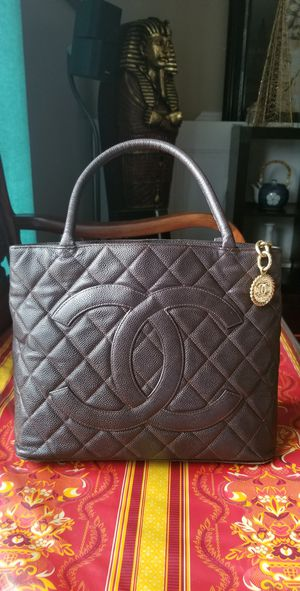 Authentic Chanel bag for Sale in North Springfield, VA