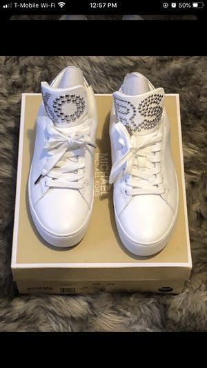 Mk White Tennis Shoes / Mk Shoes / Michael Kors for Sale in Los Angeles, CA