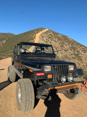 Jeep wrangler 4.0 6 cylinder for Sale in Los Angeles, CA