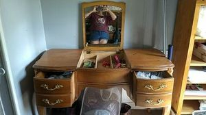 Antique Dressing Table for Sale in Gaston, SC