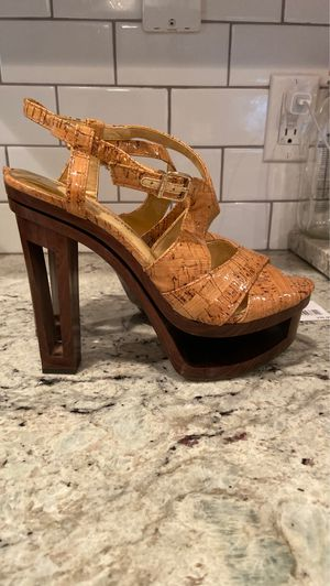 Gianni Bini heels for Sale in Surprise, AZ