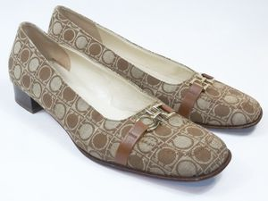 SALVATORE FERRAGAMO Women's Shoes Beige Logo Heels US Size 9 B Msrp $375 Italy for Sale in Hayward, CA