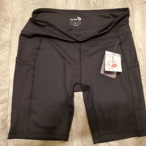 Brand New Baleaf Bike Shorts SIZE L for Sale in Vancouver, WA