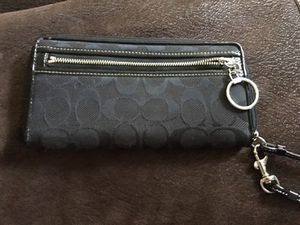 Authentic Coach Wallet Wristlet for Sale in Pittsburgh, PA