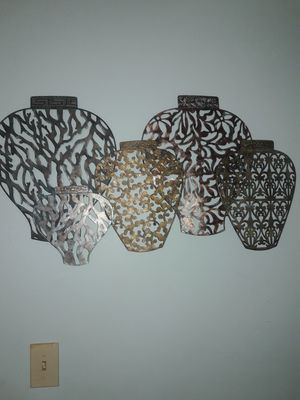 """36"""" by 17"""" metal wall decor PICK UP AT EAST ORLANDO!!! for Sale in Orlando, FL"""