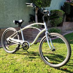 "Electra ""Cruiser7"" Beach Cruiser 7 Speed Bike 26"" GREAT CONDITIONS!! for Sale in Whittier,  CA"