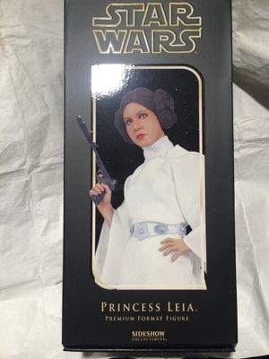 Princess Leia Premium Format Figure statue by Sideshow Collectibles for Sale in Queens, NY