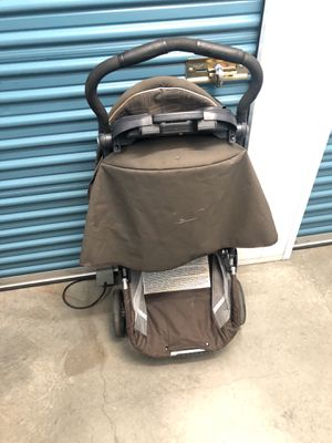 Stroller w/ tray and cup holders Chicco Brand for Sale in San Diego, CA
