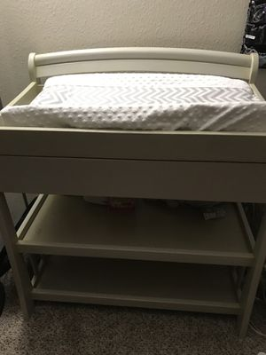Changing table w/ changing mat & cover for Sale in Marysville, WA
