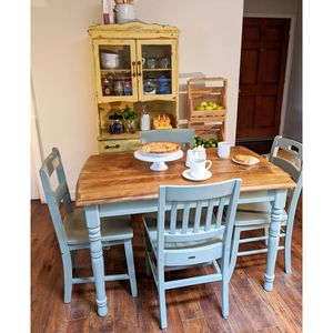 Country table and chairs for Sale in Whittier, CA