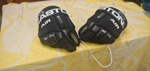 Kids hockey gloves for Sale in Wichita, KS
