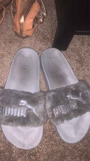 PUMA FENTY SLIDES. SOLD AS IS for Sale in Fresno, CA