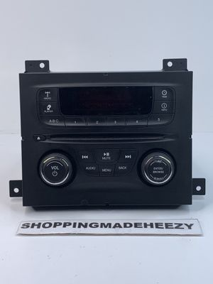 2013 13 2014 14 DODGE DART AM/FM RADIO RECEIVER CD MP3 PLAYER 04692355AH OEM for Sale in Fort Worth, TX