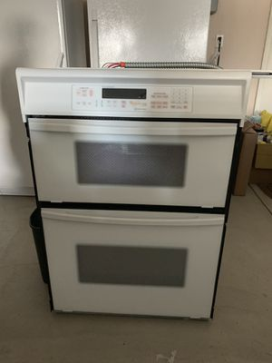 KitchenAid microwave and oven set for Sale in Cleveland, OH