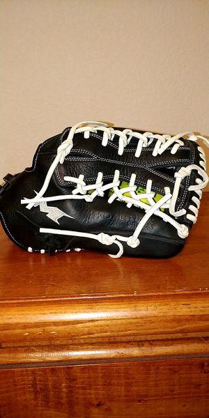Miken Softball Glove 13.5in for Sale in Turlock, CA